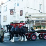 Harveys-Dray-The-Crown-2